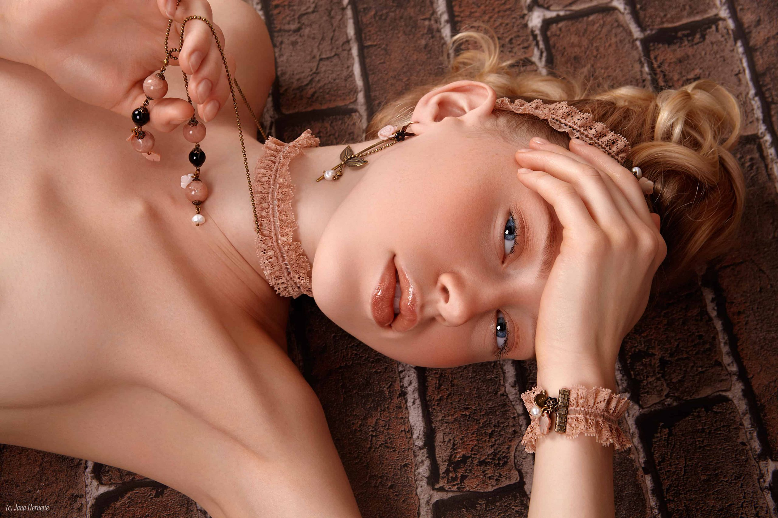 55 Collection JULIE SION JEWELRY Photographe Jana Hernette. Modèle Olesya Makeup Cindy Galhac scaled